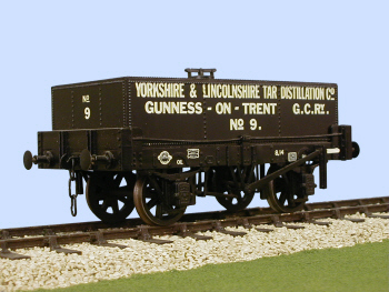 S4039W Charles Roberts Rect Tank Wagon
