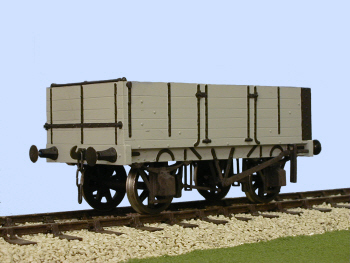 S4055W Gloucester PO 5 Plank Side Door Wagon China Clay